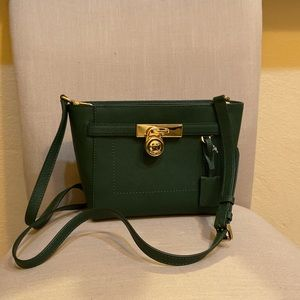 NWT MMK Hamilton Traveler Crossbody Moss Green
